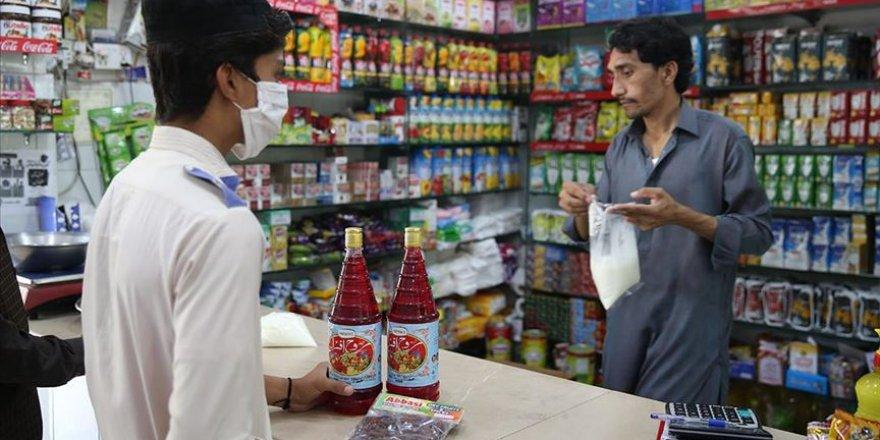Pakistan'da ramazan denince akla 'ruh afza' ve 'samosa' geliyor