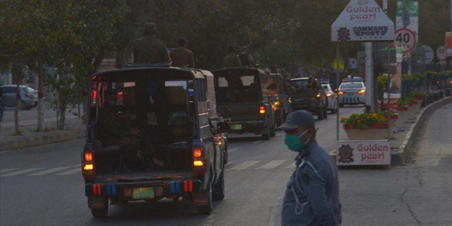 Pakistan'da Kovid-19 vaka sayısı 17 bini aştı