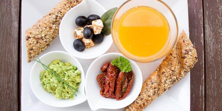Uzmanlardan, Ramazan ayında doğru beslenmek için dikkat edilecek on kural