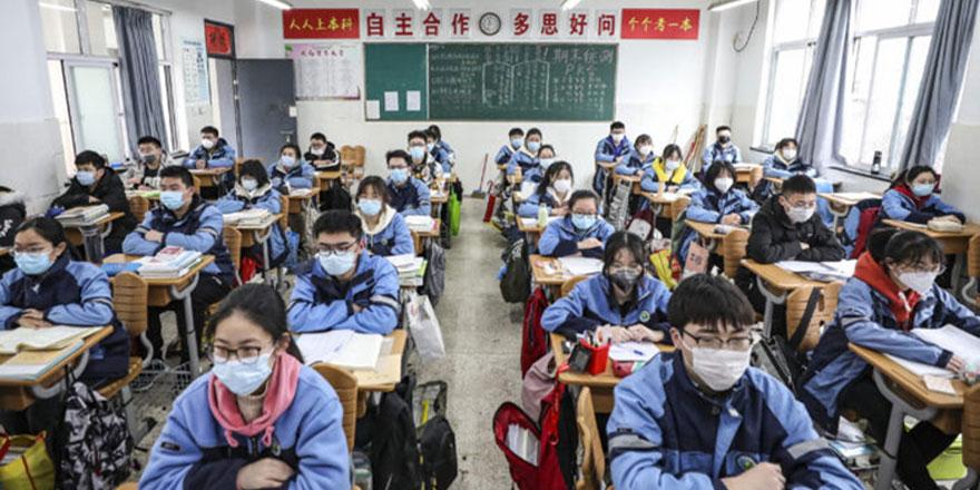 Virüsün ilk yayıldığı Wuhan'da çocuklar okullara döndü