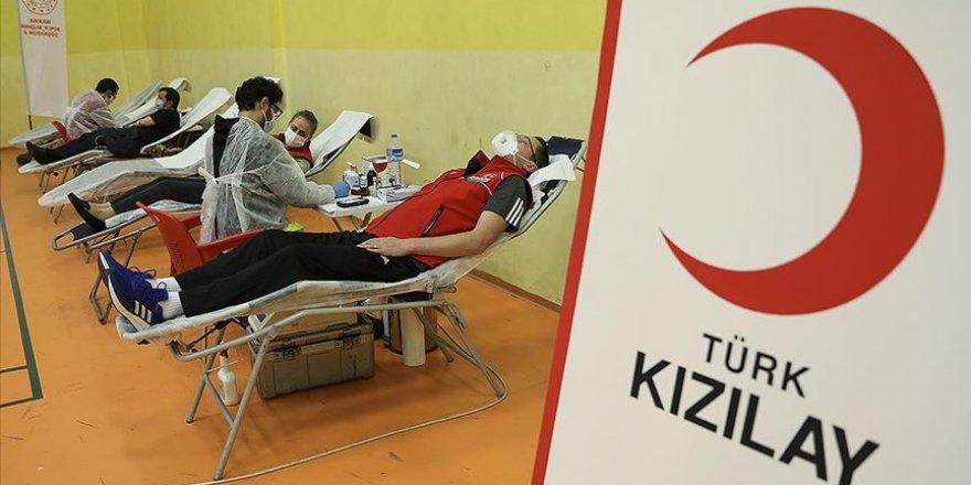 Kan ihtiyacına yönelik yeterli stok hazır bekletiliyor