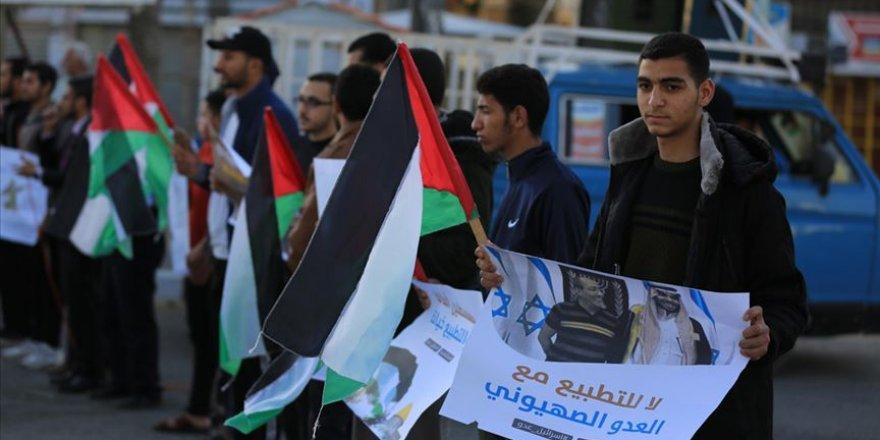 Gazze'de 'İsrail'le kültürel normalleşme' protesto edildi