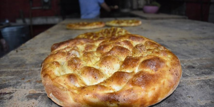 Büyükşehirlerin Ramazan pidesi fiyatları belli oldu