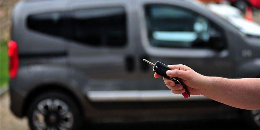 İkinci el otomobil fiyatları mayıs ayında da yükseldi