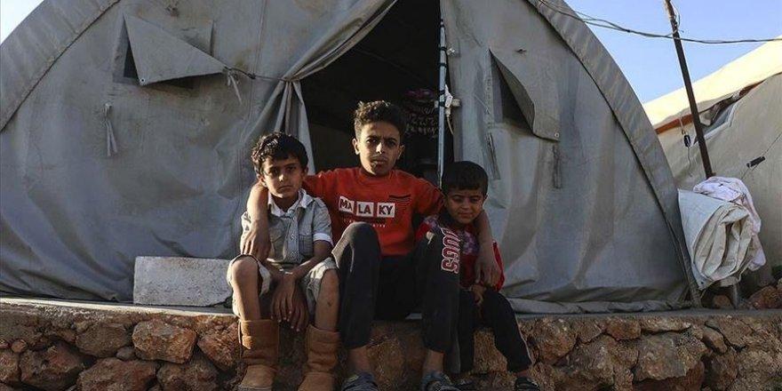 Geçen ramazanda ebeveynini kaybeden İdlibli Muhammed'in tek dileği köyüne dönmek