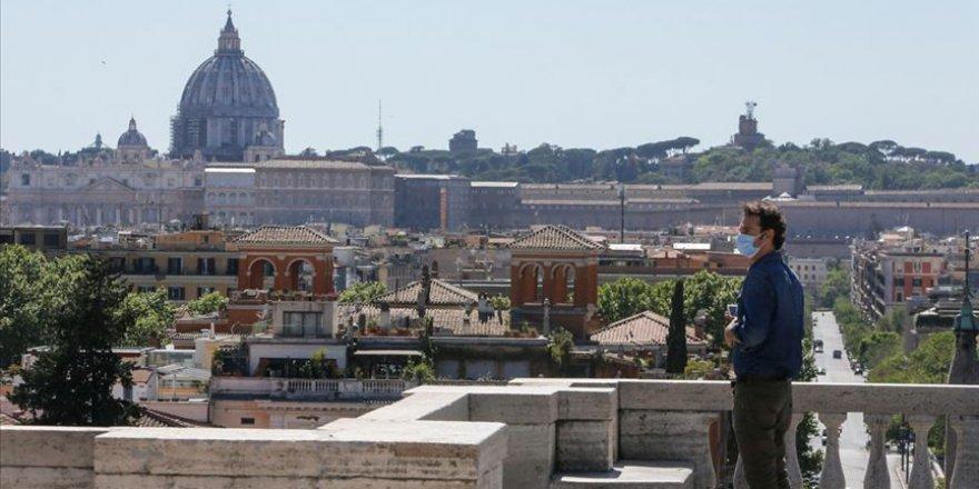 İtalya'da Kovid-19'a bağlı can kaybı 34 bin 945'e yükseldi