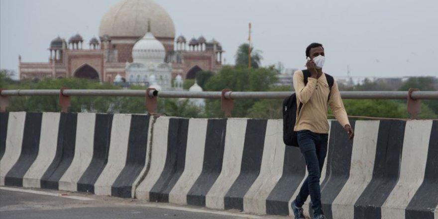 Hindistan'da günlük Kovid-19 vaka sayısı 10 bine yaklaştı