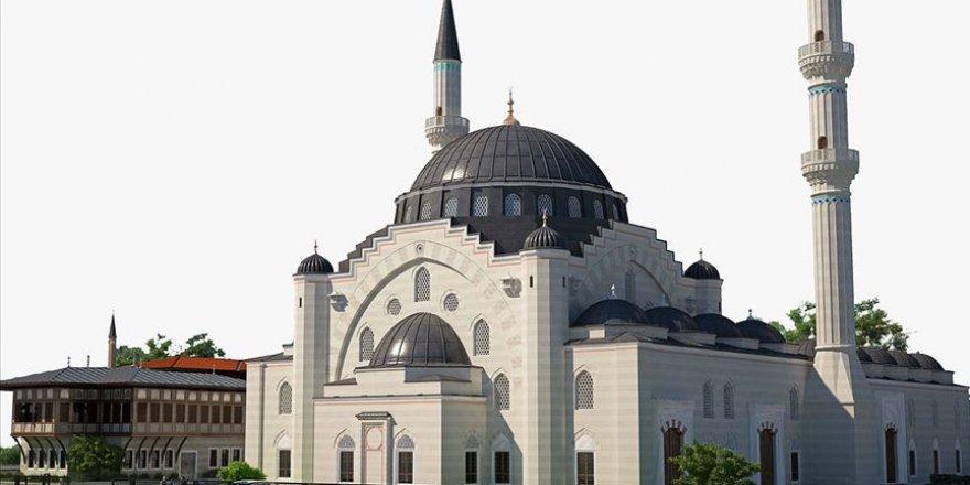 Fransa'da Avrupa'nın en büyük camisinin inşaatı yükseliyor