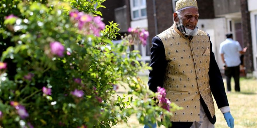 İngiltere'de 100 yaşındaki Müslüman'dan Kovid-19 kurbanları için 'Günde 100 Adım' kampanyası