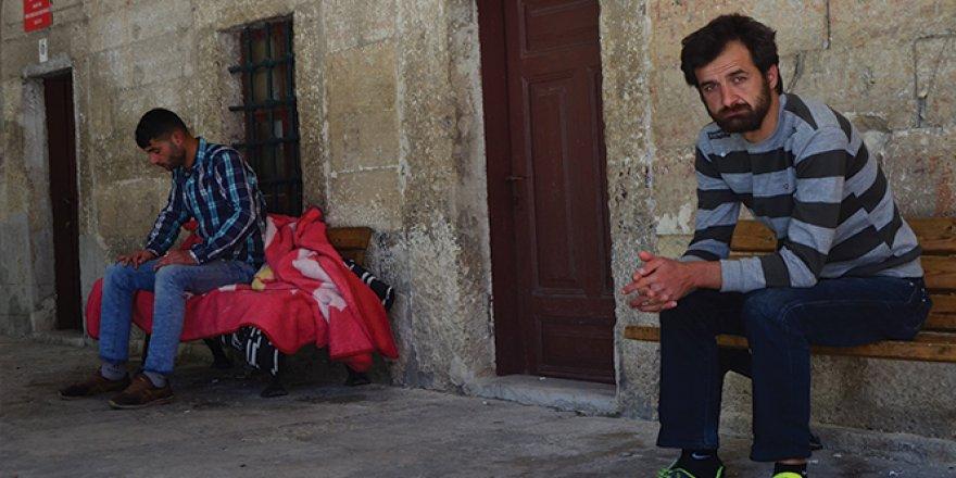Kısıtlamada camiye sığınan evsizlerden ibretlik sözler