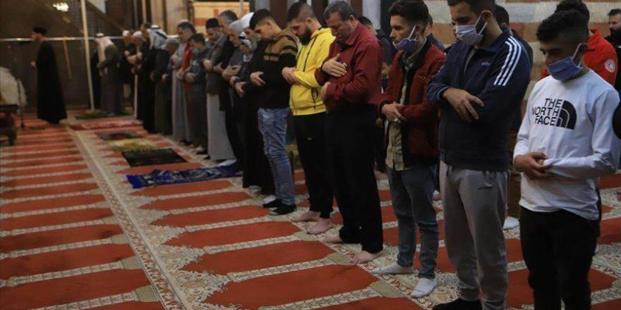 Batı Şeria'daki Harem-i İbrahim Camisi ibadete açıldı