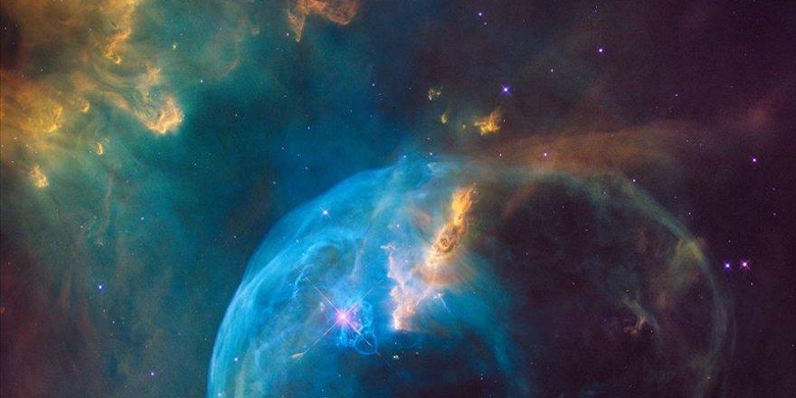 Yıldızlar arası boşluğa 'umulmadık' miktarda materyal çok yüksek hızda fırlatıldı