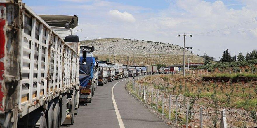 BM'den İdlib'e 90 tır insani yardım