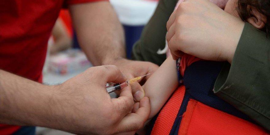 Doktorlardan 'çocukların aşı takvimine uyun' çağrısı