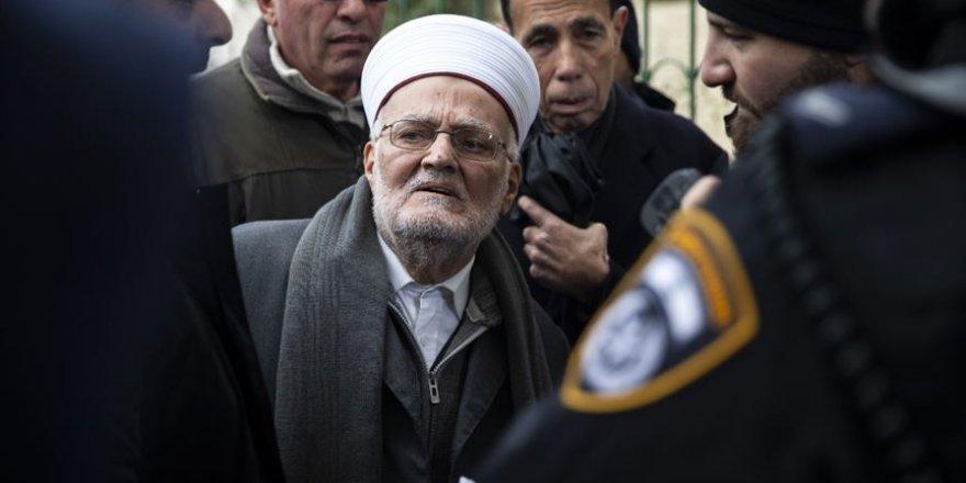 İsrail'den Mescid-i Aksa İmam Hatibi Şeyh İkrime Sabri'ye 4 ay yurt dışına çıkış yasağı