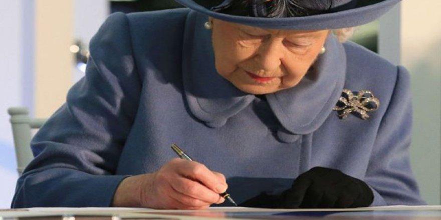 Kraliçesi Elizabeth'in 'sır mektupları' kamuya açılacak