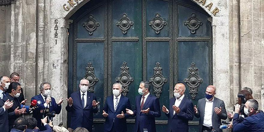 Kapalıçarşı ve Mısır Çarşısı dualarla açıldı