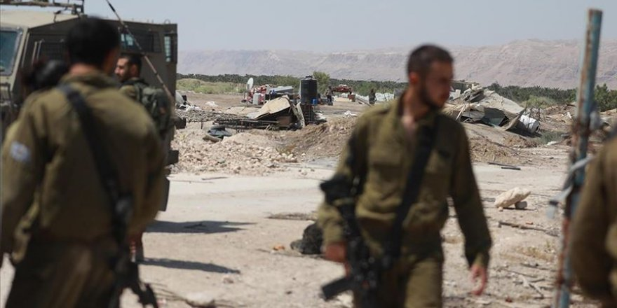 İsrail askerleri Batı Şeria'da Filistinli bedevilere ait 16 yapıyı yıktı