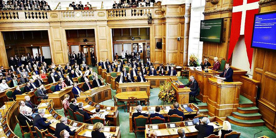 Danimarka Parlamentosunda 'Müslümanlar üzerinden oy kavgası'na tepki