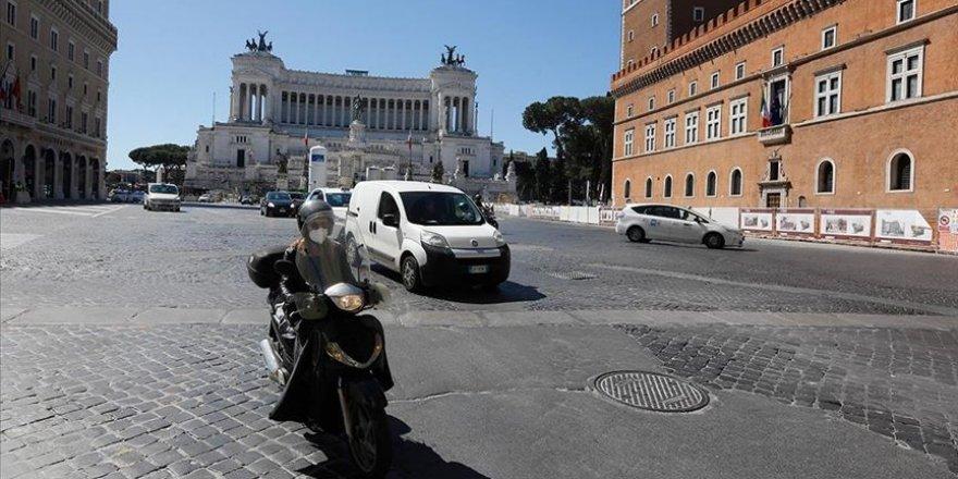 İtalya'da Kovid-19'a bağlı can kaybı 35 bin 28'e yükseldi
