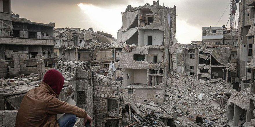 Rusya yeniden saldırdı İdlib'de son 24 saatte 5 bin 800 sivil yerinden edildi