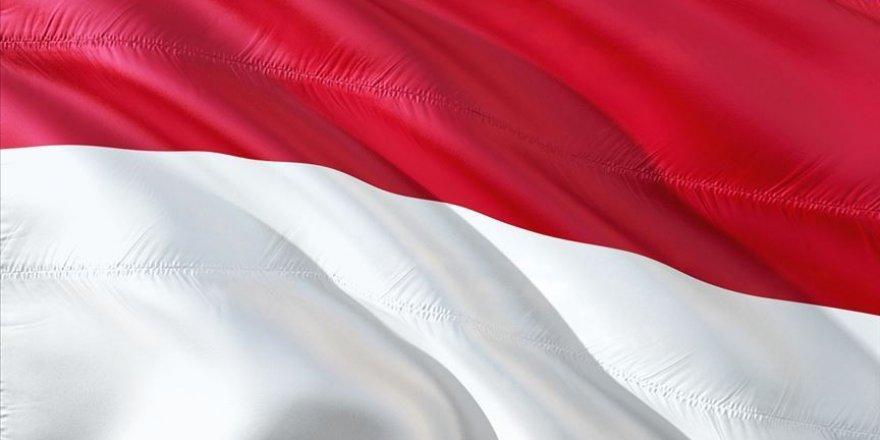 Kovid-19 gölgesinde Endonezya'da okullar tekrardan açıldı