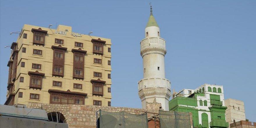 Mekke'de camiler pazar günü sabah namazından itibaren açılıyor