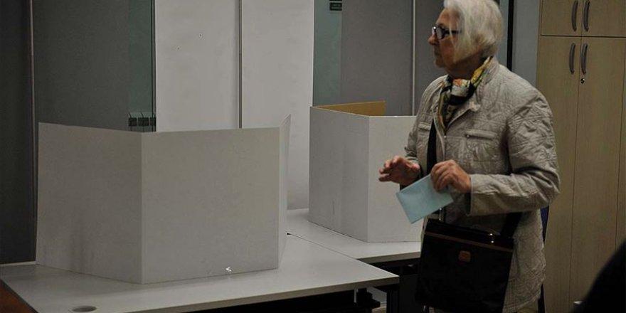 Belarus'ta seçmenler sandık başında