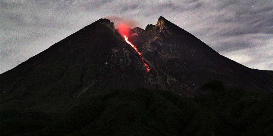 Endonezya'da yanardağ uyarısı yapıldı