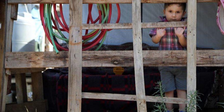Suriye'de eğitim çağındaki 2,45 milyon çocuk okula gidemiyor
