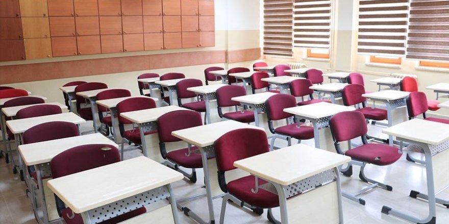Haziran ayında kapatılan okullar bu ay sonunda yeniden açılacak