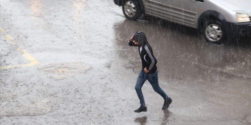 Doğu Karadeniz için çok kuvvetli ve şiddetli yağış bekleniyor.