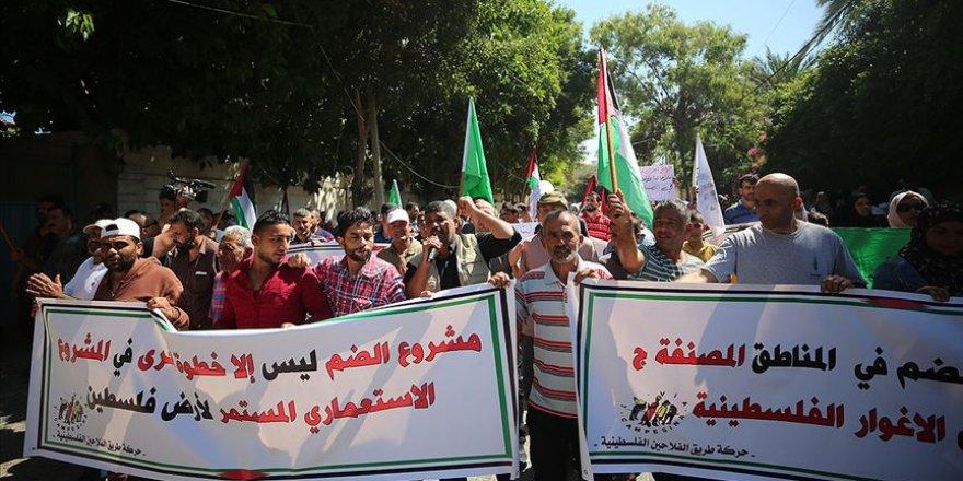 İsrail'in Rahmet Kapısı Mescidi'ni kapatma kararı Gazze'de yüzlerce kişi tarafından protesto edildi