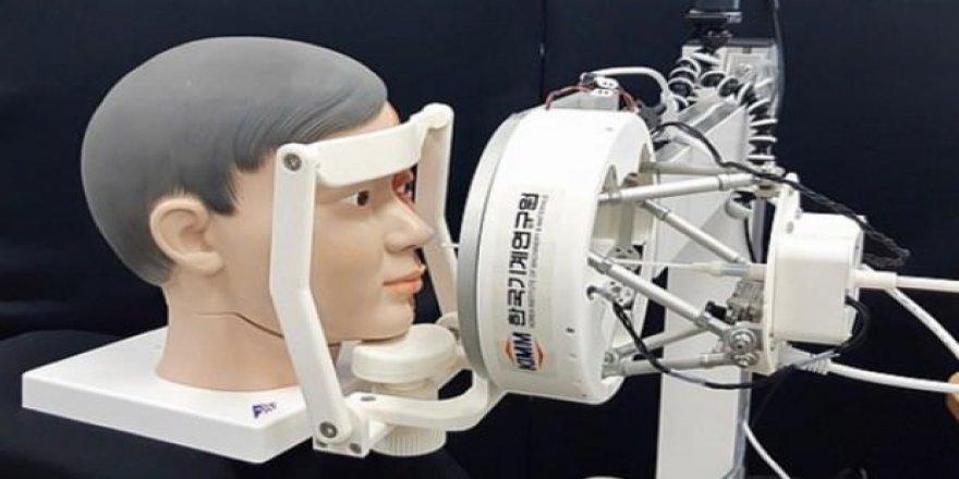 Kovid-19 testi için robot geliştirildi