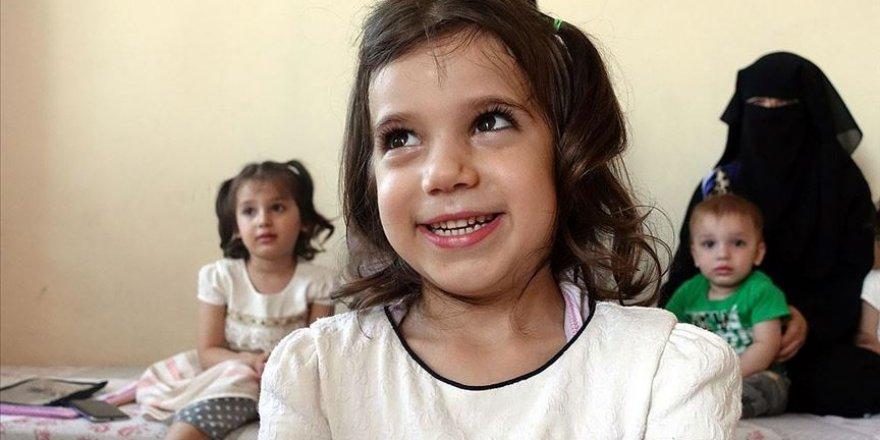 Suriyeli aile doğuştan işitme kaybı olan çocuklarına 'ses' arıyor