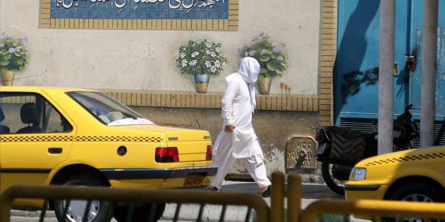İran'da Kovid-19'a bağlı can kaybı 12 bin 829'a yükseldi