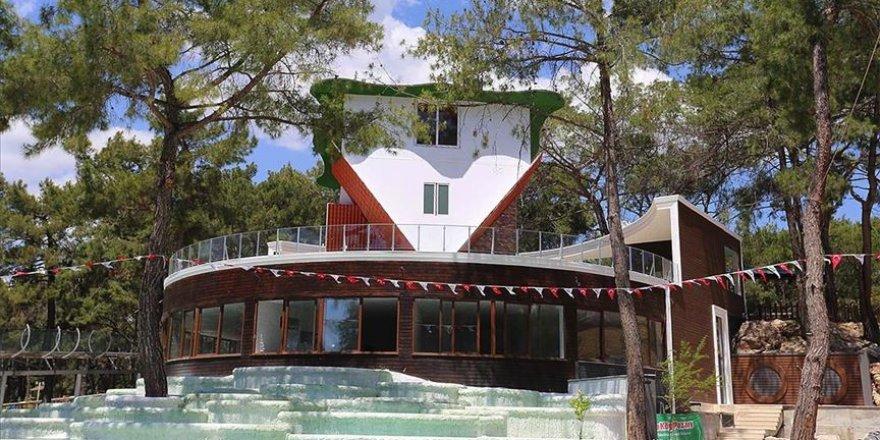 Antalya'ya 360 derece dönen ev yapıldı
