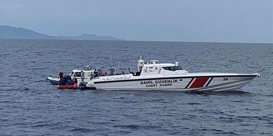 Sığınmacıları taşıyan bot battı