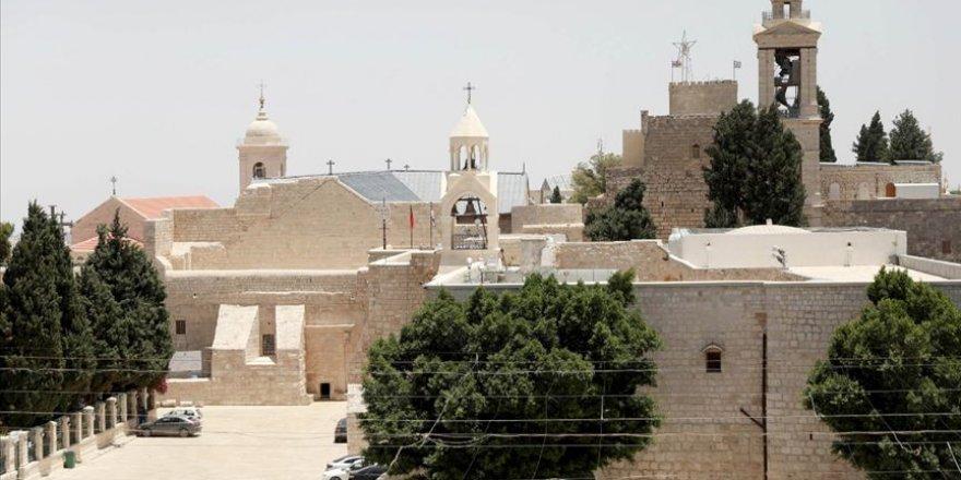 Filistin'in Beytullahim kenti Kovid-19 sebebiyle giriş-çıkışlara kapatıldı