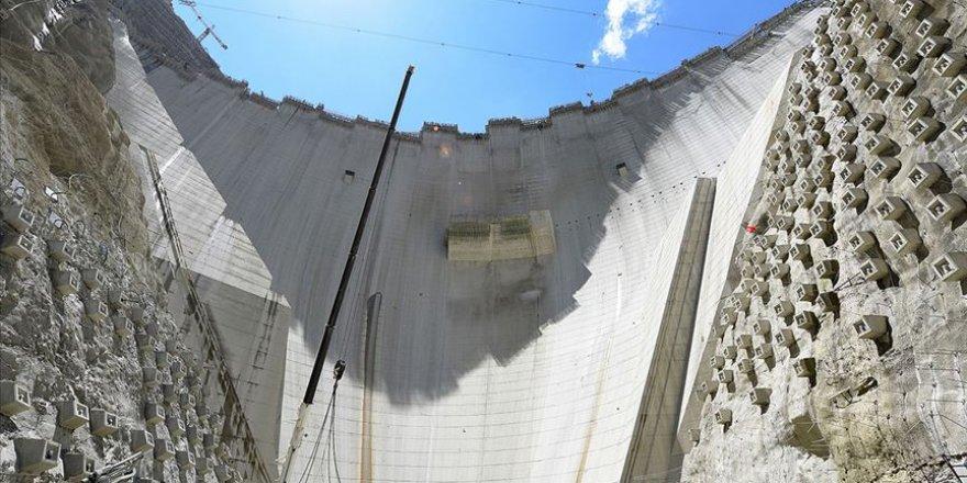 Yusufeli Barajı'nın gövde yüksekliği 214 metreye oldu