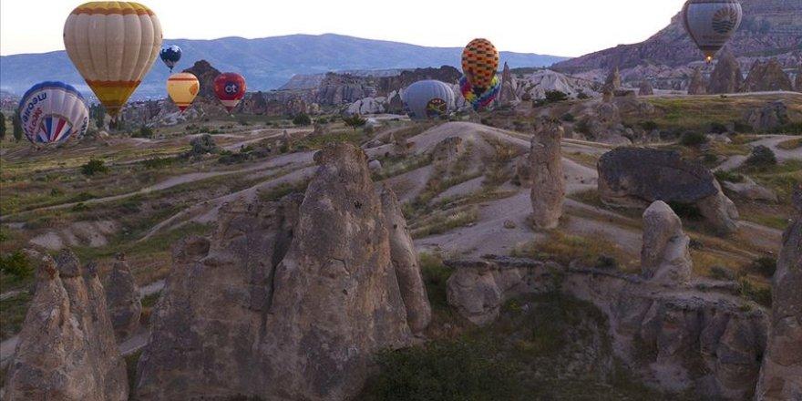 Kapadokya'da sıcak hava balon turları 1 Ekim'e kadar durduruldu