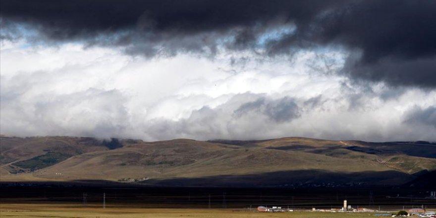 Doğu Anadolu'da 5 şehirde gök gürültülü sağanak yağış bekleniyor