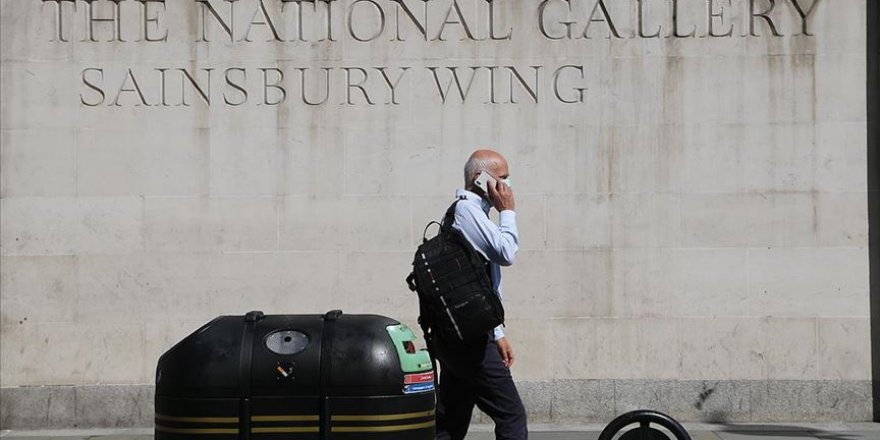 İngiltere'de 900 bin kamu çalışanının maaşları zamlanacak