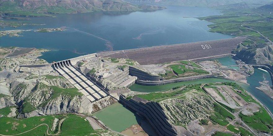 Elektrik yatırımlarına yenilenebilir enerji santralleri damga vurdu
