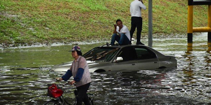 Çin'de yaşanan sel felaketlerinde 121 insan hayatını kaybetti veya kayboldu