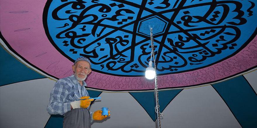 75 yaşındaki İbrahim dede camileri nakışlarla süslüyor