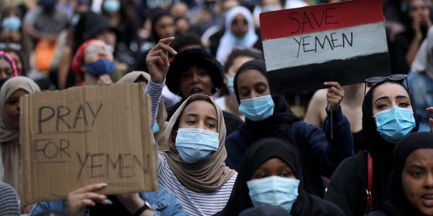 Yemen'e yönelik saldırılar İngiltere'de protesto edildi