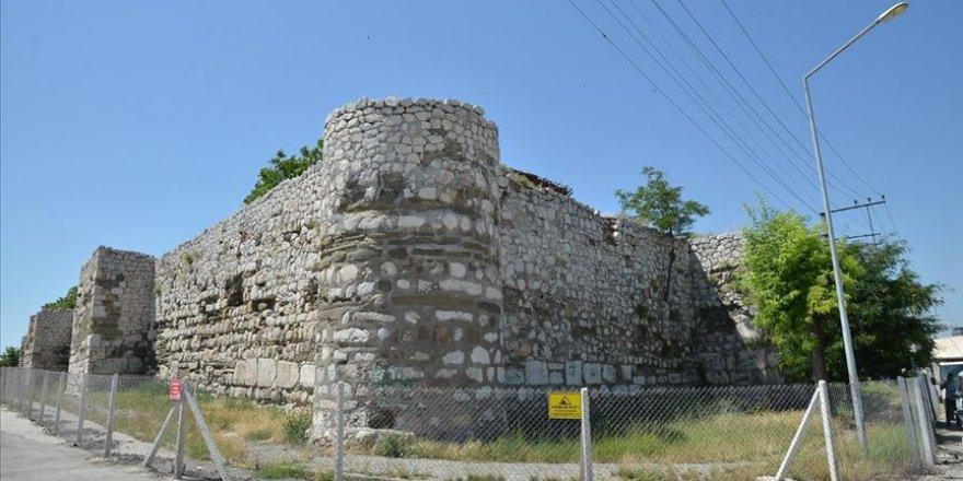 Tarihi Çorum Kalesi restore edilecek