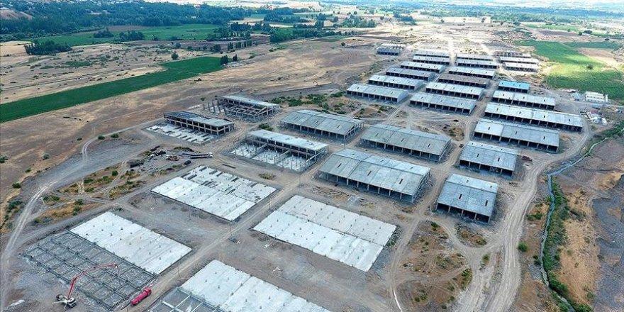 4 bin 500 kişi istihdam edilecek sanayi sitesinin inşaatı devam ediyor