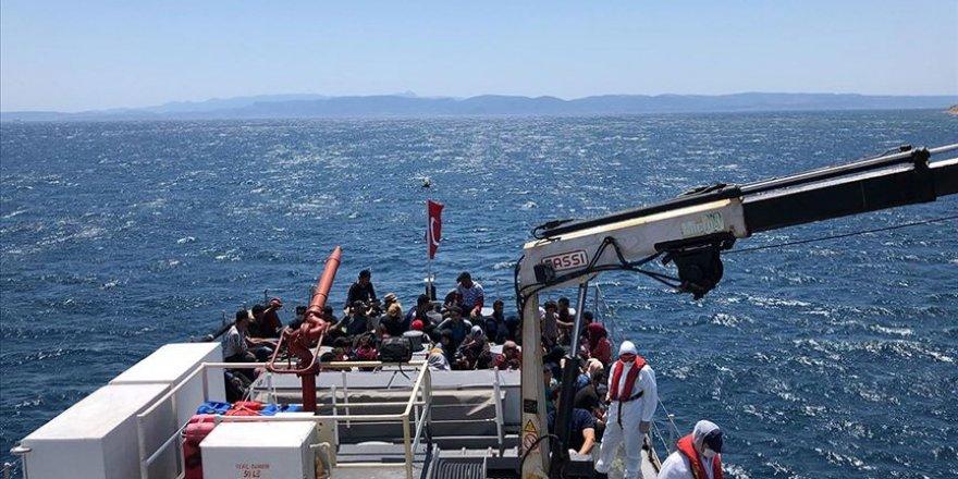 Türk kara sularına itilen 44 sığınmacı kurtarıldı